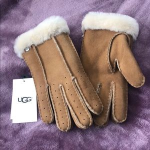 NWT UGG Handsewn Turn Cuff Sheepskin Gloves (M)